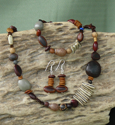 Autumn mix of Far North Queensland seeds Necklace, Bracelet, Earrings Set 34d