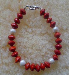 *NEW* Freshwater Pearls and Red Bead Seeds Bracelet #70b