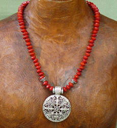 Tibet style pendant Necklace with Red Bead Seeds 16a
