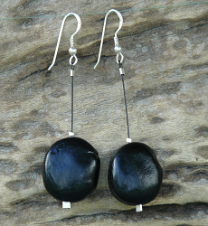 Mucuna Gigantea seeds Wire Earrings #53c